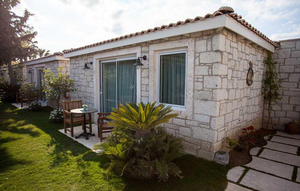 casaluna-hotel-alacati-bungalow-1